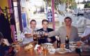 В кафе с друзьями