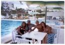 """vozle basena """"Nahrawess hotel thallasso"""",c dryziami iz FRANCE :))"""