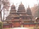 вот и добрались до Шевченковского Гая там у них музей, подобный нашему Пирогово, только поменьше Действующая церковь