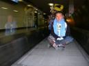 Уезжаем домой! :((  Аэропорт в Амстердаме! Устала.......12,5 часов лететь, да еще и с пересадками!