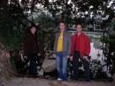 Moi avec ma parents. :) (2005 год, Въетнам, озеро Возвращенного Меча)
