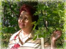 Играл Рембрант с лучами света и спорил с искрами поэта. Столетья спорам без ответов -  ручья картин - с ручьём сонетов.  Сборники этого автора - на сайтах http://www.uniqum.ru/oglavl/tvormsk.htm и http://www.stihi.ru/author.html?uniqums