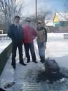 Свежий воздух под Житомиром, сочные шашлыки и хорошая компания - где-то здесь начинается рай...(февраль 2006г)