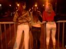 три девчонки вечерком...:))