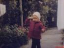ой блин... папа сегодня сделал слайды с детства..)) чудо в перьях,а не я :)..долго смеялись ))ггг... а щоки у меня тут... ))