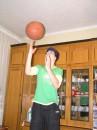И снова баскет,не слишком ли много фоток с мячём??