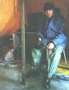 ...перекур !!! ...палатка защищала от ветра, но не от мороза !!! ...под ногами вода и лед !!! Белгород-Днестровский лиман, Одесская обл. (январь 2006г.)