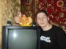 Я со слоником)) Фотка интересная - на заднем фоне Саня виден с фотиком