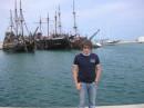 На пиратских корабликах можно было поплавать и порыбачить....ну и грабануть пару мелких рыболовных лодок....