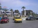 Таксистов там тьма, все тебе сигналят...Центр жилого города... тут тебе и Шиша....тут тебе Гашиша...Африка - незабываемое место:)))