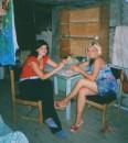 креветочки едим с подругой)
