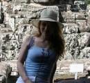 Камбоджа... За мной - стена древнего Ангкора.