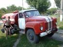 Сливаю воду с пожарной машины:)