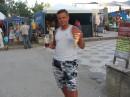 Лето 2006. Молдавская зона, Коблево. Винчик и попкорн :-)