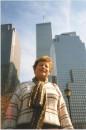 Клевая фотка! :) Моя бабушка, которая ненавидит Америку, в Нью-Йорке!